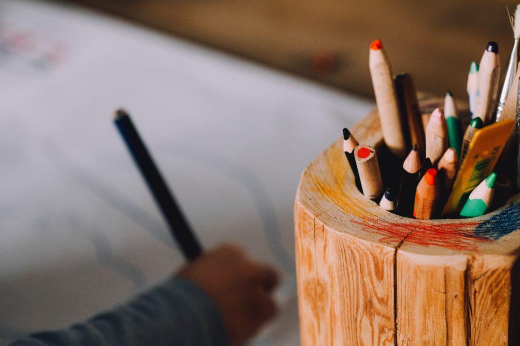 Wie du aus einfachen Spielen mit Stift und Papier tolle Bastelideen für dein Kind zauberst